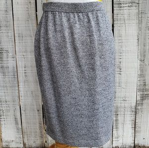 St John Collection 6 Santana knit Gray Skirt